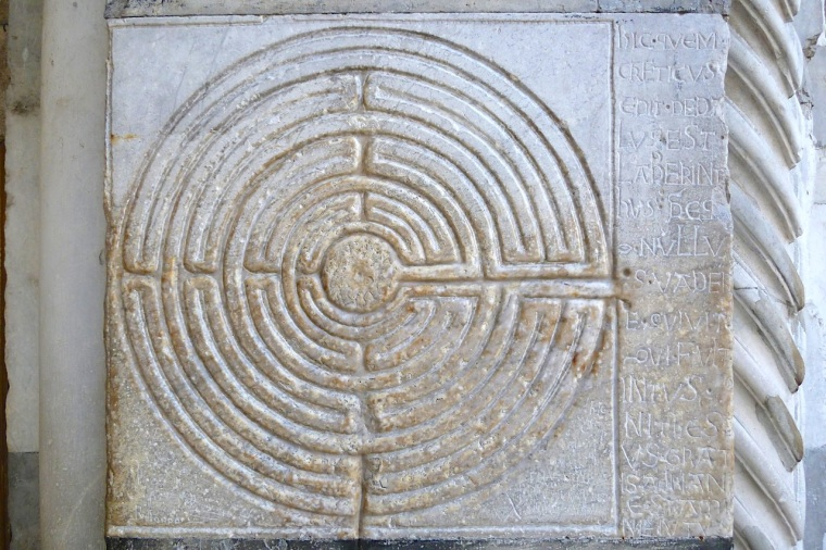 Labyrinth with inscription, Cathedral of St Martin, Lucca (Keith Salvesen)