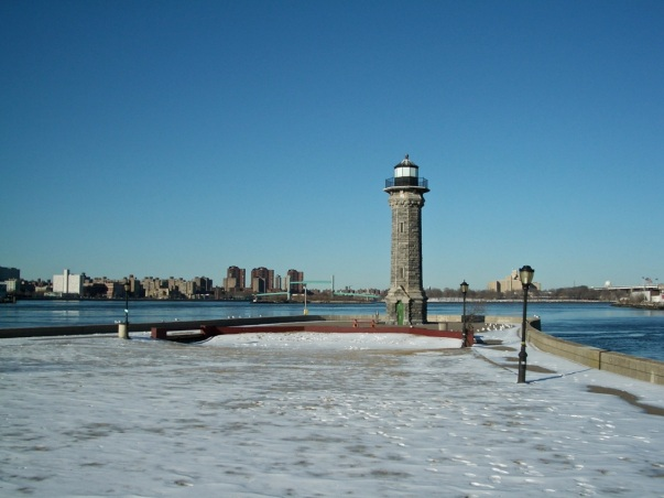 Roosevelt Island Lighthouse 1