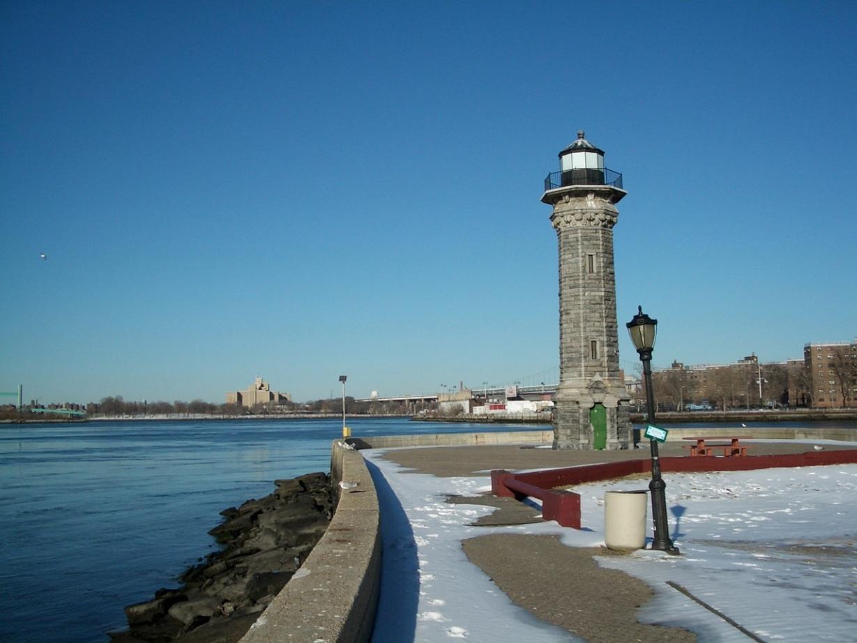 Roosevelt Island Lighthouse 3