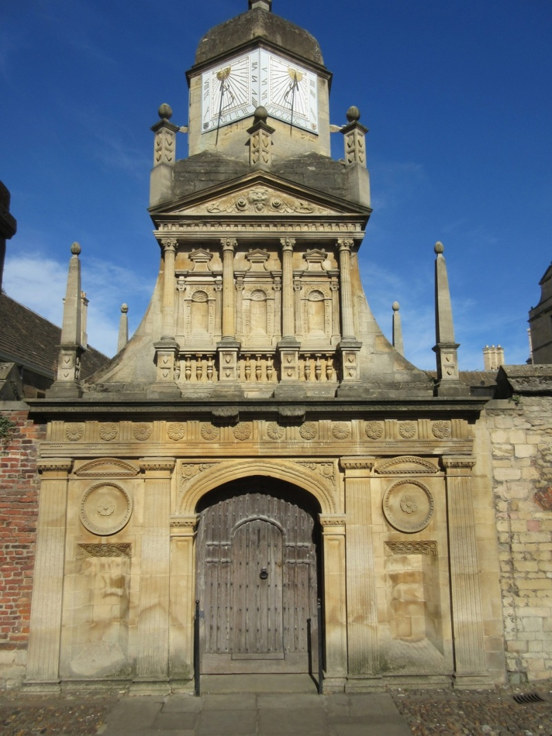 caius-college-cambridge-sundial-gate-of-honour1