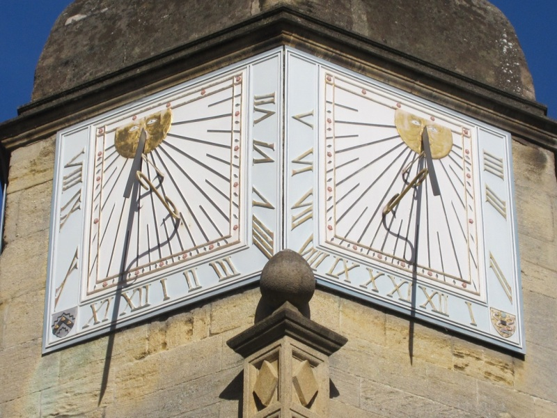 caius-college-cambridge-sundial-gate-of-honour2