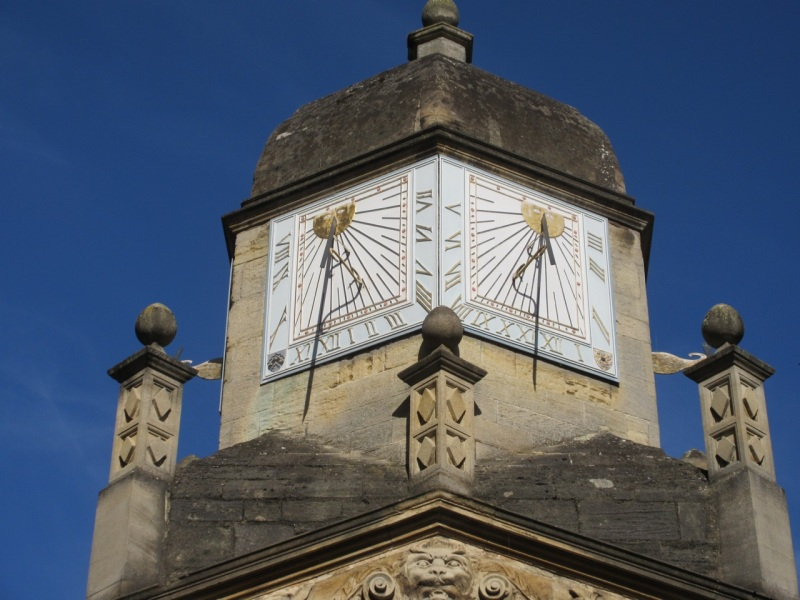 caius-college-cambridge-sundial-gate-of-honour3