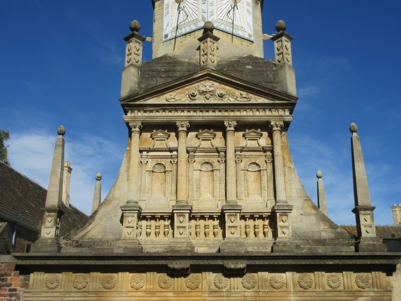 caius-college-cambridge-sundial-gate-of-honour4
