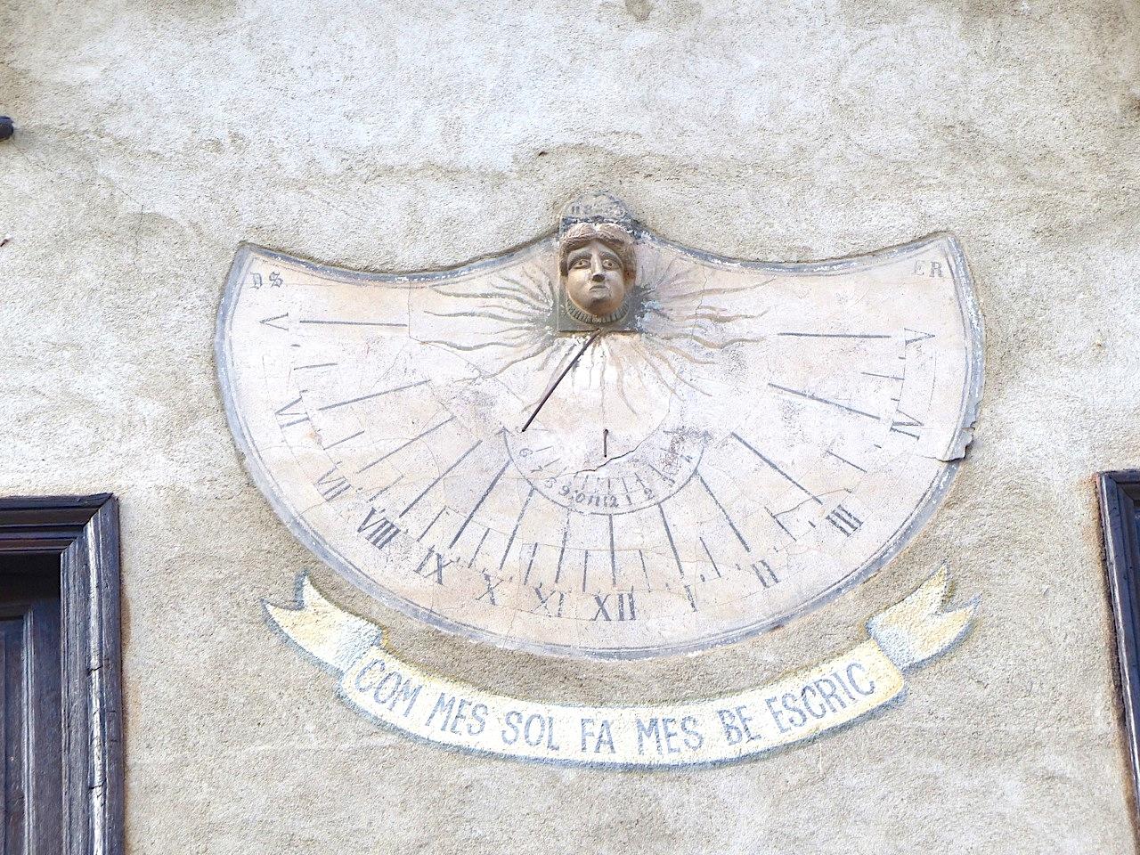 Double sundial, Villefranche-de-Conflent, Pyrénées-Orientales