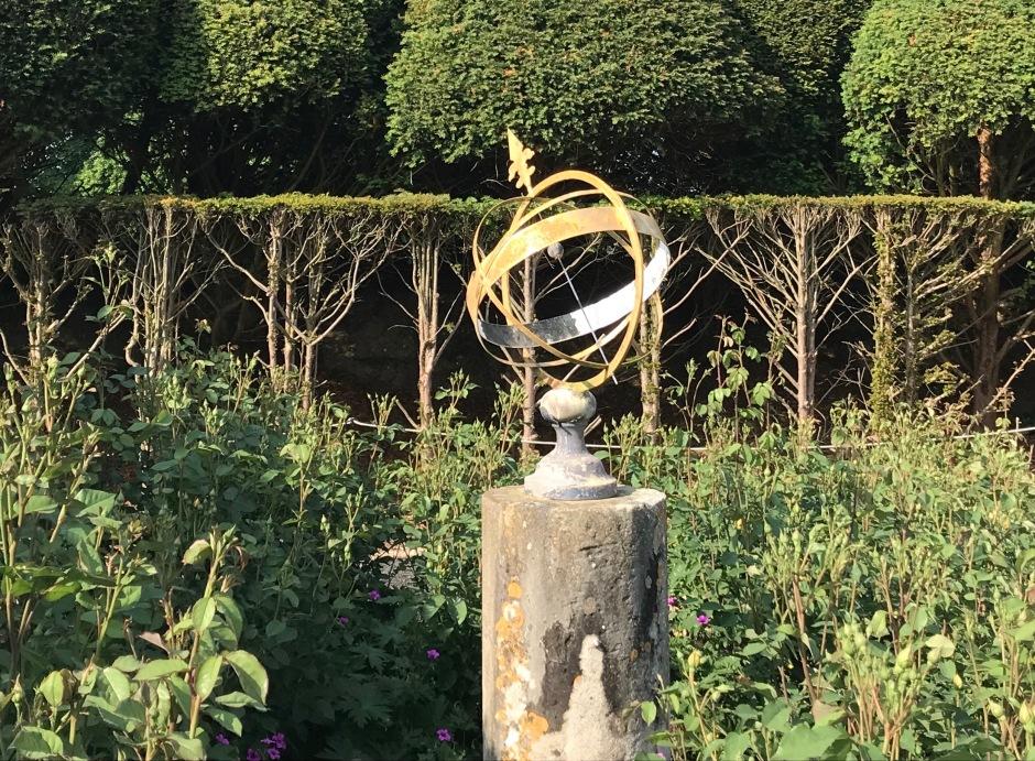 ARMILLARY SPHERE SUNDIAL: KINGSTON LACY, DORSET (Keith Salvesen)